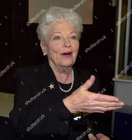 RICHARDS Former Texas Gov. Ann Richards talks with reporters as she campaigns in New Orleans for the Democratic presidential ticket . Richards, criticized the record and policy plans of the current Texas governor, George W. Bush