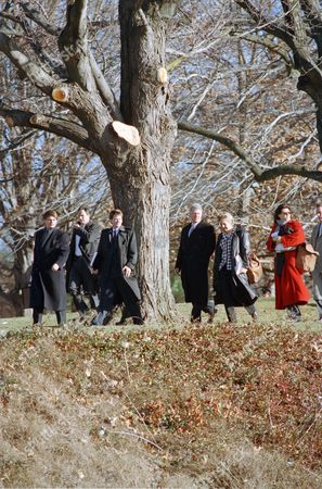 Bill Clinton, William Clinton, Dee Dee Myers U.S. President Bill Clinton, second from right, and White House Press Secretary Dee Dee Myers, right, walk to a waiting helicopter with unidentified Secret Service agents and White House staffers after a conference on the skyrocketing cost of government benefits at Bryn Mawr College, in Bryn Mawr, Pa