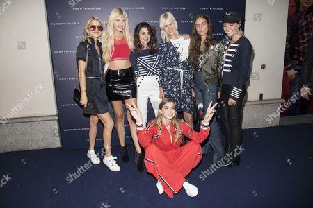 Gigi Hadid, Valentina Marzullo, Bonnie Strange, Marta Pascual Lozano, Erika Boldrin, Linda Tol, Veronica Ferraro