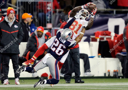 Jason Avant, Logan Ryan Kansas City Chiefs wide receiver Jason Avant (81) catches a pass over New England Patriots cornerback Logan Ryan (26) in the second half of an NFL divisional playoff football game, in Foxborough, Mass