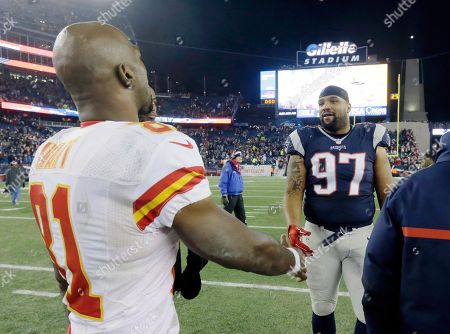 Jason Avant, Alan Branch Kansas City Chiefs wide receiver Jason Avant (81) and New England Patriots defensive tackle Alan Branch (97) speak at midfield after an NFL divisional playoff football game against the New England Patriots, in Foxborough, Mass. The Patriots won 27-20