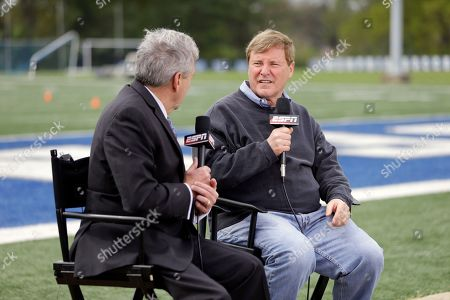 Leigh Steinberg Sports agent Leigh Steinberg, right, is interviewed before the Memphis NFL football pro day, in Memphis, Tenn