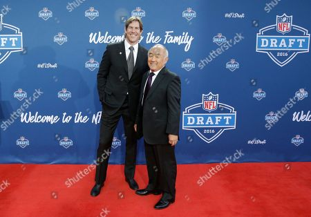 Scott Fujita Former Walter Payton Men of the Year Scott Fujita poses for photos upon arriving for the third round of the 2016 NFL football draft at Auditorium Theatre of Roosevelt University, in Chicago