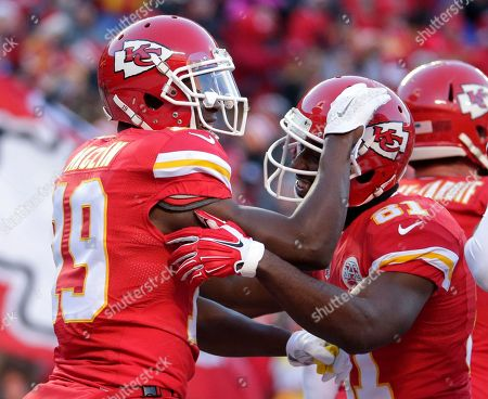 Jeremy Maclin, Jason Avant Kansas City Chiefs wide receiver Jeremy Maclin, left, celebrates his touchdown against the Oakland Raiders with teammate Jason Avant, right, during the first half of an NFL football game in Kansas City, Mo