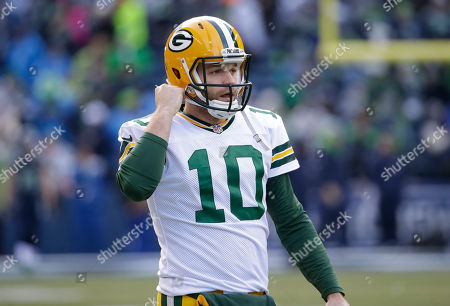 Green Bay Packers quarterback Matt Flynn (10) warms up before the NFL football NFC Championship game against the Seattle Seahawks, in Seattle