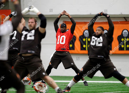 Vince Young Cleveland Browns quarterback Vince Young (10) stretches before a voluntary minicamp workout at the NFL football team's facility in Berea, Ohio