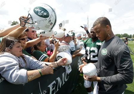 Dee Milliner New York Jets cornerback Dee Milliner signs autographs after practice during NFL football training camp, in Cortland, N.Y