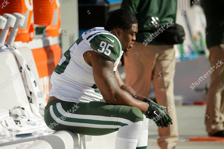 Antwan Barnes New York Jets linebacker Antwan Barnes (95) sits on the bench in the second half of an NFL football game against the Kansas City Chiefs in Kansas City, Mo