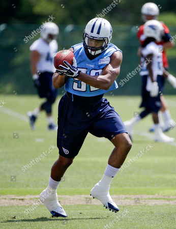 Wesley Woodyard Tennessee Titans linebacker Wesley Woodyard runs a drill during NFL football minicamp, in Nashville, Tenn. The Titans stocked up on linebackers, adding veterans Woodyard and Shaun Phillips in free agency. That puts pressure on recent draft picks Akeem Ayers, Zach Brown and Colin McCarthy to find their spots in coordinator Ray Horton's new defense