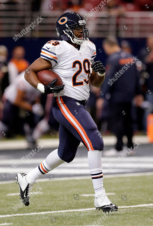 Michael Bush Chicago Bears running back Michael Bush warms up before the start of an NFL football game against the St. Louis Rams, in St. Louis