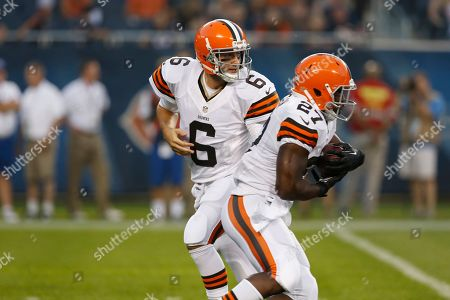 Brian Hoyer, Brandon Jackson Cleveland Browns quarterback Brian Hoyer (6) hands off the ball to running back Brandon Jackson (27) during the first half of a preseason NFL football game against the Chicago Bears, in Chicago