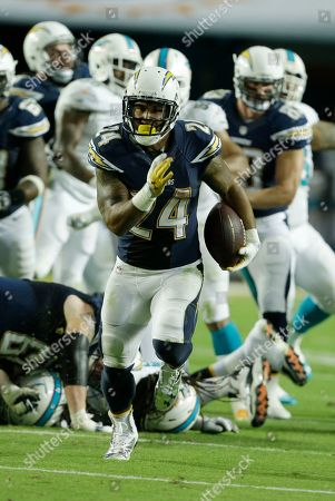 Ryan Matthews San Diego Chargers running back Ryan Mathews (24) runs with the ball during the second half of an NFL football game against the San Diego Chargers, in Miami Gardens, Fla