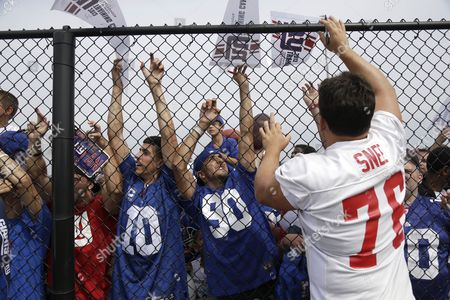 Chris Snee New York Giants guard Chris Snee signs autographs after an NFL football camp in East Rutherford, N.J