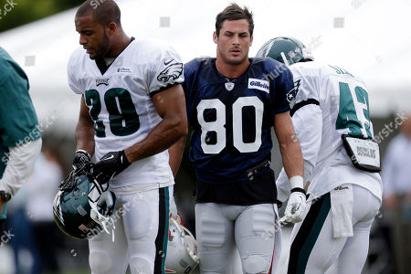 Danny Amendola, David Sims, Nate Allen Philadelphia Eagles' Nate Allen, left, New England Patriots' Danny Amendola, and Eagles' David Sims walk after a drill during a joint workout at NFL football training camp in Philadelphia