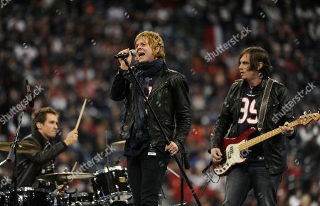 Terry McDermott The Voice finalist Terry McDermott, center, performs during halftime of an NFL wild card playoff football game between the Houston Texans and the Cincinnati Bengals, in Houston