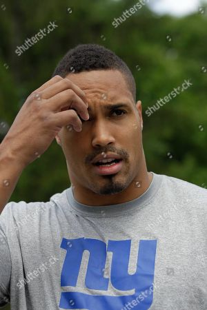 Travis Beckham New York Giants tight end Travis Beckum, who is on the active, but physically unable to perform list, speaks to reporters at the New York Giants football training camp in Albany, N.Y