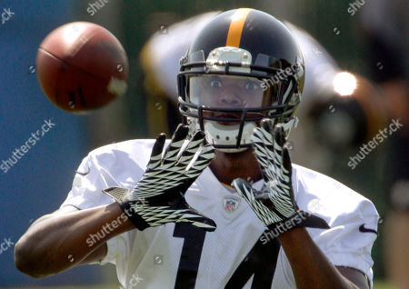 Jimmy Young Pittsburgh Steelers wide receiver Jimmy Young makes a catch during the NFL football practice on in Pittsburgh