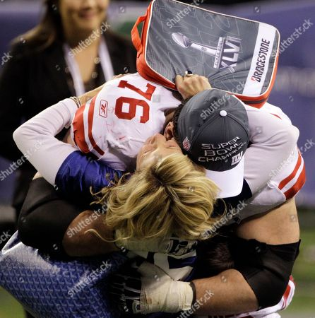 Chris Snee New York Giants guard Chris Snee hugs a fan while celebrating after the NFL Super Bowl XLVI football game against the New England Patriots, in Indianapolis. The Giants won 21-17