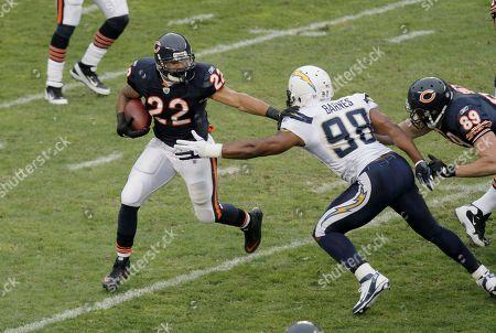 Matt Forte, Antwan Barnes Chicago Bears running back Matt Forte (22) rushes around San Diego Chargers linebacker Antwan Barnes (98) in the first half of an NFL football game in Chicago