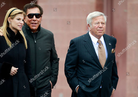 Robert Kraft, Steve Wynn, Andrea Hissom New England Patriots owner Robert Kraft, right, hosts casino mogul Steve Wynn and his wife Andrea Hissom on the field at Gillette Stadium prior to an NFL football game against the Indianapolis Colts in Foxborough, Mass
