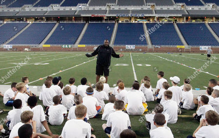 Richard Jordan Former Detroit Lions linebacker Richard Jordan talks to attendees at the Detroit Lions Youth Football Camp at Ford Field in Detroit