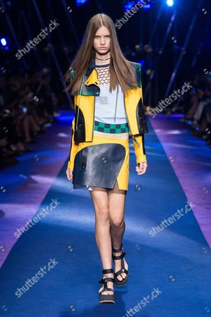 Editorial photo of Versace show, Runway, Spring Summer 2017, Milan Fashion Week, Italy - 23 Sep 2016