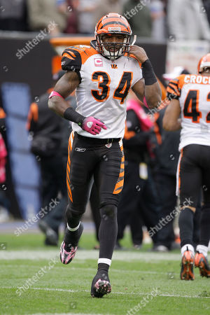 Kyries Hebert Cincinnati Bengals safety Kyries Hebert (34) runs onto the field to face the Cleveland Browns during their NFL football game, in Cleveland