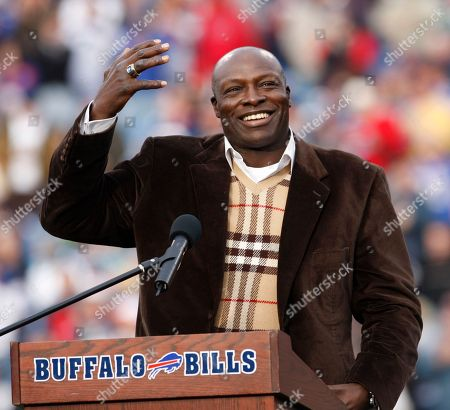 Bruce Smith Former Buffalo Bills defensive end Bruce Smith smiling during his Hall of Fame ring ceremony at halftime of an NFL football game between the Bills and the Miami Dolphins in Orchard Park, N.Y. Former NFL star Bruce Smith has pleaded guilty to drunken driving in Virginia. Smith was fined $1,000 and given a 90-day suspended sentence, in a plea agreement with Virginia Beach prosecutors, who dropped charges of speeding and refusal to take a breath test