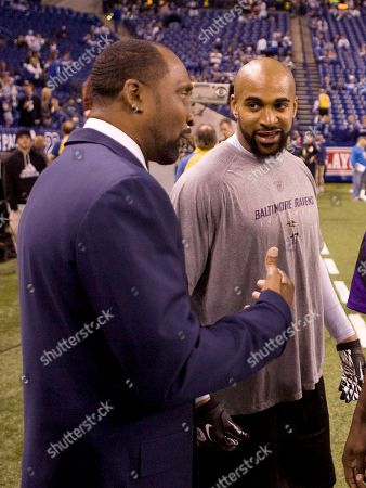 Thomas Hearns, David Tyree Former boxer Thomas Hearns, left, talks with Baltimore Ravens' David Tyree, right, before the start of an NFL divisional football playoff game between the Ravens and Indianapolis Colts, in Indianapolis