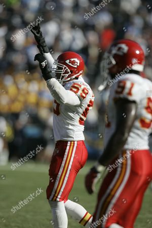 Donnie Edwards Kansas City Chiefs linebacker Donnie Edwards (59) during their football game against the San Diego Chargers in San Diego