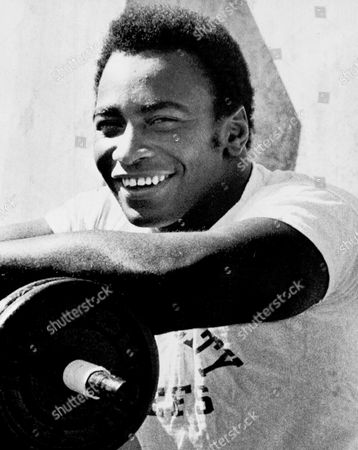 Willie Lanier Willie Lanier, Kansas City Chiefs' linebacker, has been named the NFL Defensive Player of the Week by the Associated Press, . Here he pauses during weight-lifting exercises at workout