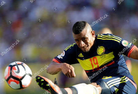 Colombia's Farid Diaz kicks the ball during a Copa America Centenario Group A soccer match against the U.S. at Levi's Stadium in Santa Clara, Calif