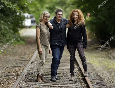 "Laura Veirs,k.d. lang,Neko Case Singer-songwriters, from left, Laura Veirs, k.d. lang and Neko Case pose for a photo in Portland, Ore., . The three singer-songwriters released a new album, ""case/lang/veirs,"" on Friday"