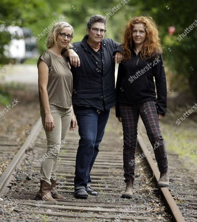 "Laura Veirs, k.d. lang,Neko Case Singer-songwriters, from left, Laura Veirs, k.d. lang and Neko Case pose for a photo in Portland, Ore., . The three singer-songwriters released a new album, ""case/lang/veirs,"" on Friday"