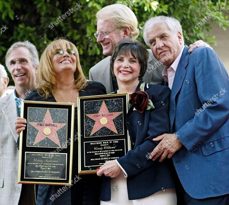 "Actors from left, Henry Winkler, Penny Marshall, Ed Begley, Cindy Williams and Garry Marshall pose after Penny Marshall and Cindy Williams received their stars on the Hollywood Walk of Fame, in the Hollywood section of Los Angeles. Penny Marshall and Williams starred together in the TV show ""Laverne and Shirley."" Writer-director Marshall, whose TV hits included ""Happy Days"" ""Laverne & Shirley"" and box-office successes included ""Pretty Woman"" and ""Runaway Bride,"" has died at age 81. Publicist Michelle Bega says Marshall died, in at a hospital in Burbank, Calif., of complications from pneumonia after having a stroke"
