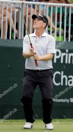 John Inman John Inman reacts after missing a putt on the 18th green during the second round of the PGA Tour Champions Principal Charity Classic golf tournament, in Des Moines, Iowa