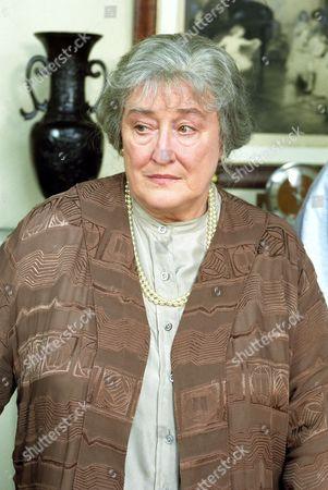 Elizabeth Spriggs in 'Boon' - 1990