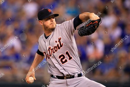 Mark Lowe Detroit Tigers relief pitcher Mark Lowe during a baseball game against the Kansas City Royals at Kauffman Stadium in Kansas City, Mo