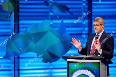 Mo Rocca Mo Rocca speaks during the final round of the National Geographic Bee, at the National Geographic Society in Washington