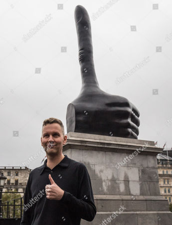 David Shrigley unveiling 'Really Good'