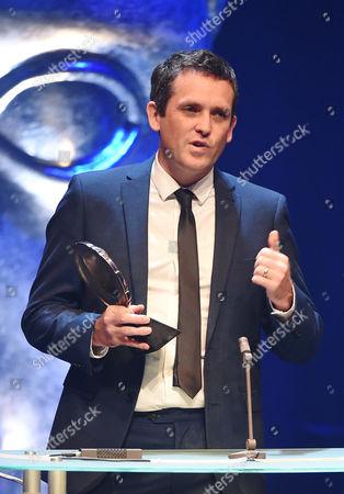 Ed Talfan collects Television Drama award for Hinterland/Y Gwyll