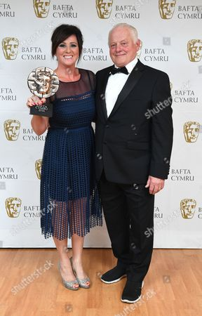 Robert Pugh with Mali Harries winner of Actress Award for Dl Mared Rhys in Y Gwyll/Hinterland - Hinterland Films 2Ltd/Fiction Factory/BBC Wales/S4C