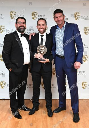 Richard Elis and Spencer Wilding with Lee Haven Jones winner of Director: Fiction for 35 Diwrnod Apollo, Cwmni Boom CymruRichard Elis and Spencer Wilding with