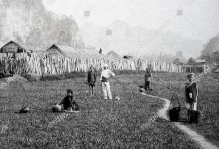 Military post at Cho-Trang, photograph, 1892, taken in Vietnam for Les Voyages du Prince Henri d'Orléans (Henri Philippe Marie Prince d' Orleans)