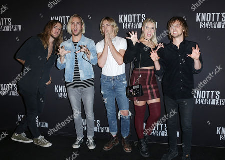 Ross Lynch, Riker Lynch, Rocky Lynch, Rydel Lynch, and Ellington Ratliff of R5