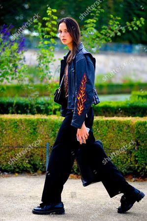 Model Waleska Gorczevski after,Elie Saab at the jardin des tuileries. Paris Fashion Week SS17 FW16, SIXTEEN.