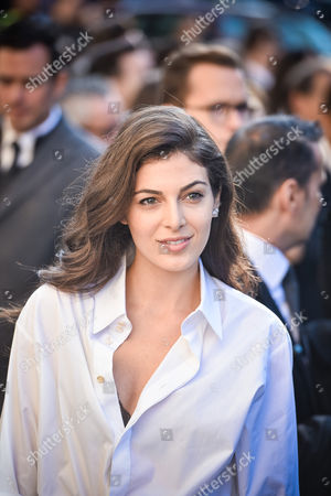Lebanese actress Razane Jammal arrives at Chanel Spring-Summer 2017 ready-to-wear collection presented in Paris