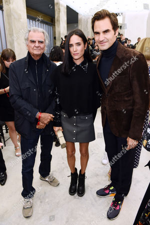 Patrick Demarchelier, Jennifer Connolly and Roger Federer in the front row
