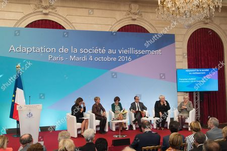 French President Francois Hollande, Marisol Touraine and Pascale Boistard during a ceremony for the start of week for retired and elderly people