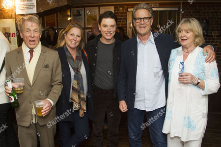 Edward Fox, Lucy Fox, Freddie Fox (Tristan Tzara), Robert Fox and Joanna David